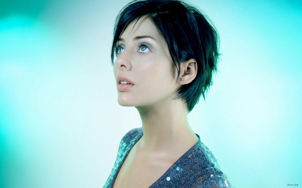 Natalie short hair blue background